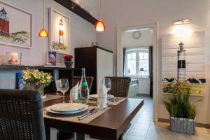 Landhaus _Berthin_Bleeg_ App_ 8 Di, Apartmanok  Wenningstedt - big - 7