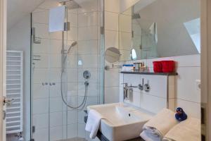 Landhaus _Berthin_Bleeg_ App_ 8 Di, Apartmanok  Wenningstedt - big - 16