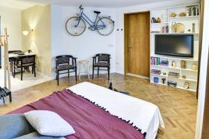 Spacious and bright apartment in city center - фото 11