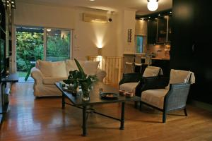Charmy garden apartment