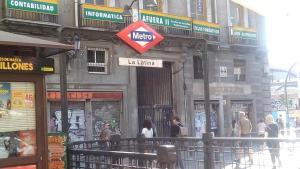 Centro Almudena, Apartmanok  Madrid - big - 6