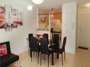 One-Bedroom Apartment in Carcassonne, Апартаменты  Каркассон - big - 9