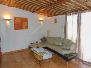 Four-Bedroom Holiday Home in Aubignan, Nyaralók  Aubignan - big - 4
