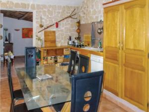 Four-Bedroom Holiday Home in Aubignan, Nyaralók  Aubignan - big - 16