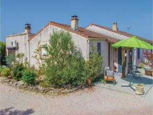 Four-Bedroom Holiday Home in Aubignan, Nyaralók  Aubignan - big - 2