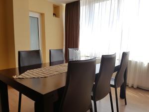 Apartment Cuza Voda 1 Brasov, Apartmanok  Brassó - big - 11