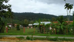 Singgah Seeni Guest House, Гостевые дома  Кампунг-Паданг-Масират - big - 23
