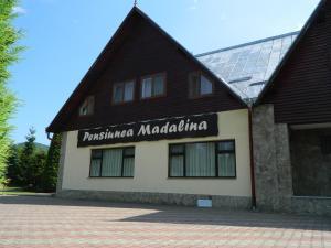 Pensiunea Madalina, Гостевые дома  Путна - big - 37