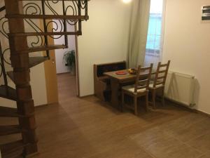Old City House, Апартаменты  Брашов - big - 23
