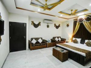 Hotel Neeraj, Отели  Джайсалмер - big - 11