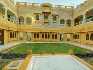 Hotel Neeraj, Отели  Джайсалмер - big - 16