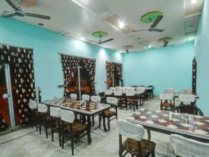Hotel Neeraj, Отели  Джайсалмер - big - 18