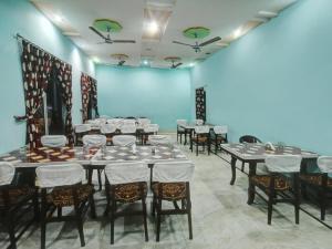 Hotel Neeraj, Отели  Джайсалмер - big - 17