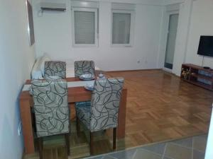Bulatovic Five Stars Apartment, Апартаменты  Бар - big - 17
