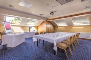 Best Western Rockingham Forest Hotel, Отели  Корби - big - 38