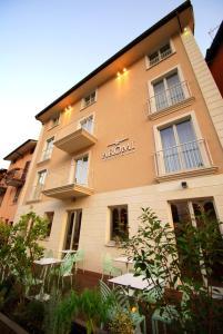 Aromi Piccolo Hotel