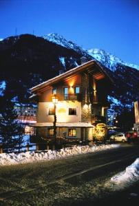 Affittacamere Lou Ressignon - Hotel - Cogne
