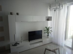 The Edge Apartment, Апартаменты  Сент-Полс-Бэй - big - 8