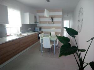 The Edge Apartment, Апартаменты  Сент-Полс-Бэй - big - 12