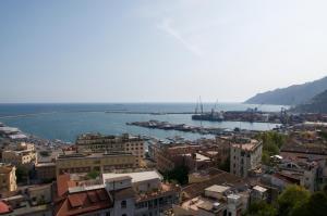 Domina Fluctuum - Penthouse in Salerno Amalfi Coast, Apartmány  Salerno - big - 11