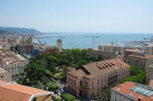 Domina Fluctuum - Penthouse in Salerno Amalfi Coast, Appartamenti  Salerno - big - 13