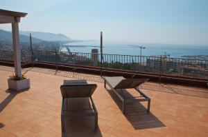 Domina Fluctuum - Penthouse in Salerno Amalfi Coast, Apartmány  Salerno - big - 16