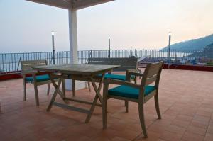 Domina Fluctuum - Penthouse in Salerno Amalfi Coast, Apartmány  Salerno - big - 20