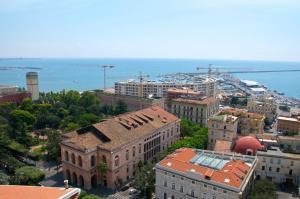 Domina Fluctuum - Penthouse in Salerno Amalfi Coast, Appartamenti  Salerno - big - 22