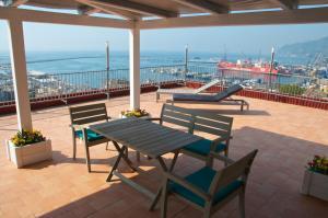 Domina Fluctuum - Penthouse in Salerno Amalfi Coast, Apartmány  Salerno - big - 24