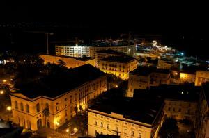 Domina Fluctuum - Penthouse in Salerno Amalfi Coast, Appartamenti  Salerno - big - 26