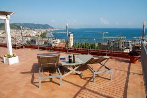 Domina Fluctuum - Penthouse in Salerno Amalfi Coast, Apartmány  Salerno - big - 1
