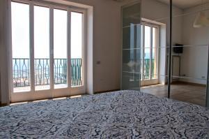 Domina Fluctuum - Penthouse in Salerno Amalfi Coast, Apartmány  Salerno - big - 32