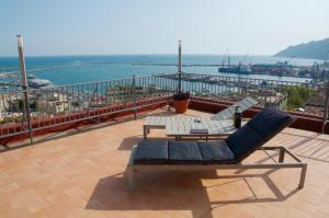 Domina Fluctuum - Penthouse in Salerno Amalfi Coast, Apartmány  Salerno - big - 34