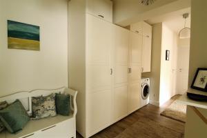 Smartline Apartment, Apartmanok  Jászvásár - big - 6
