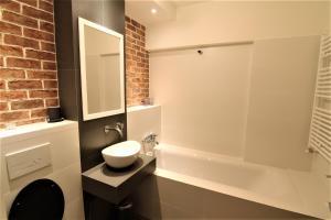 Smartline Apartment, Apartmanok  Jászvásár - big - 7