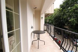 Smartline Apartment, Apartmanok  Jászvásár - big - 13