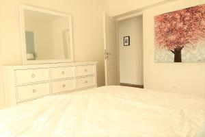 Smartline Apartment, Apartmanok  Jászvásár - big - 14