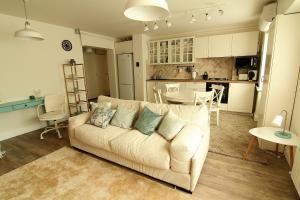 Smartline Apartment, Apartmanok  Jászvásár - big - 16
