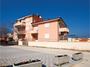 One-Bedroom Apartment in Valbandon, Apartmány  Fažana - big - 12
