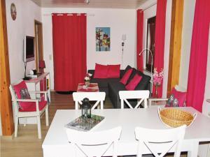 Five-Bedroom Holiday home Reimboldshäuser 06