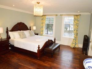 The King Street Manor Estate, Apartmanok  Niagara on the Lake - big - 24