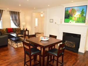The King Street Manor Estate, Apartmanok  Niagara on the Lake - big - 6