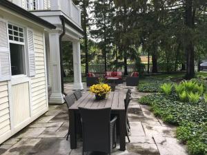 The King Street Manor Estate, Apartmanok  Niagara on the Lake - big - 11