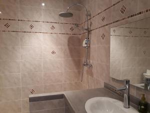 T4 Ixora - GOSIER Mare-Gaillard, Apartments  Mare Gaillard - big - 15