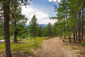 Mountain RV Experience on 35 Acres, Ferienhäuser  Black Hawk - big - 6