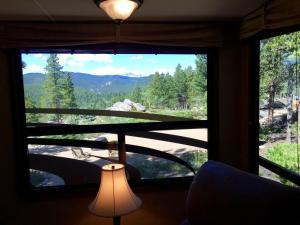 Mountain RV Experience on 35 Acres, Ferienhäuser  Black Hawk - big - 8