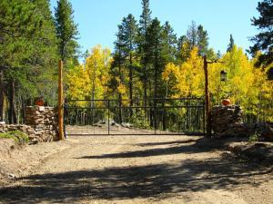 Mountain RV Experience on 35 Acres, Ferienhäuser  Black Hawk - big - 10