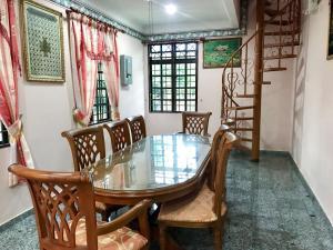 Homestay Banglo D'Tampin, Privatzimmer  Tampin - big - 6