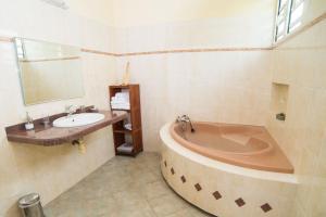 T4 Ixora - GOSIER Mare-Gaillard, Apartments  Mare Gaillard - big - 3