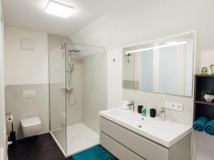 Die Gönothek - Ferienwohnungen, Apartments  Iphofen - big - 55